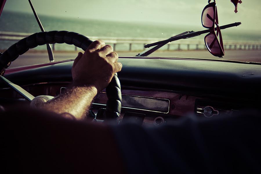 Conduce con gafas de sol