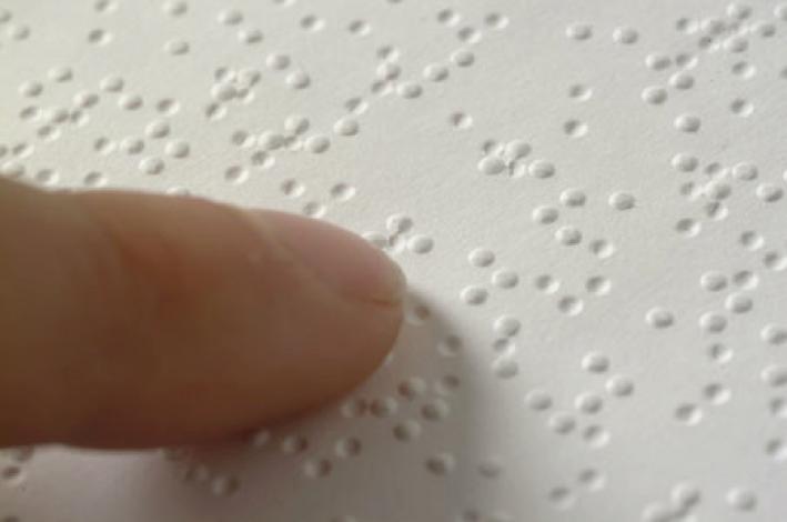 Lectura en sistema braille