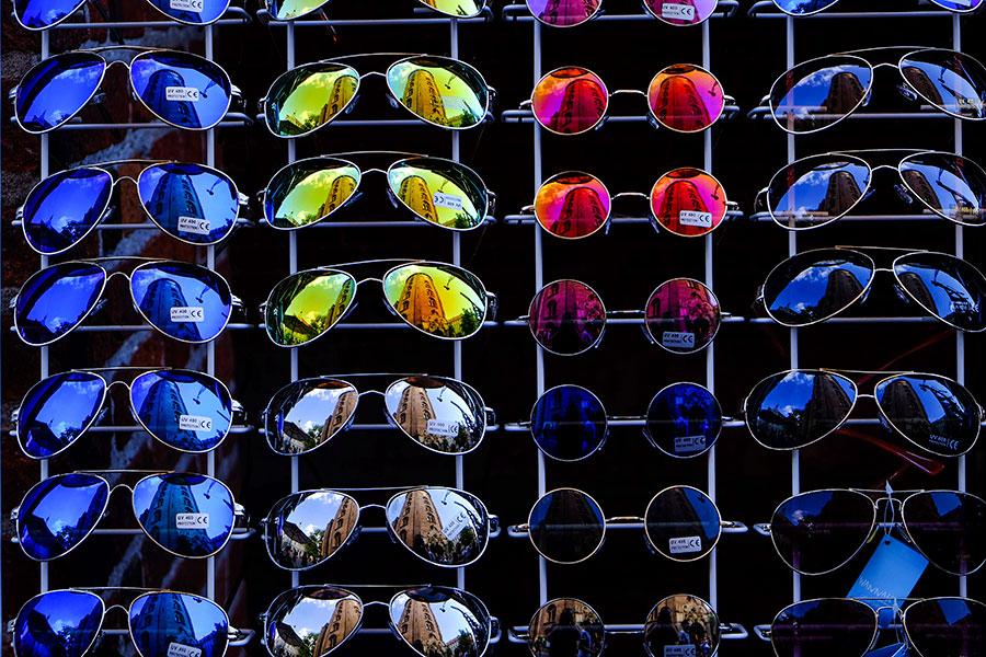 modelos variados de gafas de sol